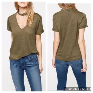 ✨NEW✨ Sanctuary Deep V Choker Tee — Med, Lg